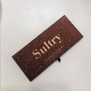 Authentic ABH Sultry palette
